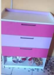 Cômoda rosa com roxo
