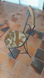 Mesa de madeira de demolição + 4 cadeiras