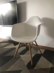 2 Cadeiras EAMES branca TOKSTOK