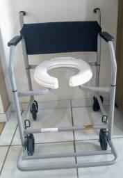Vendo Cadeira de Banho Nova.
