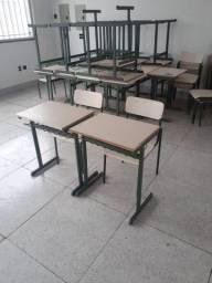 Jogo de mesa e cadeira escolar
