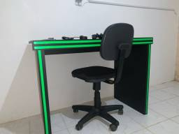 Mesa multiuso, usei com pc gamer