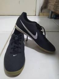 Tênis futsal Nike nunca usado