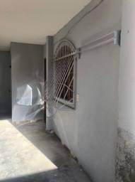 Aluga-se quitinete na Vila Capixaba .