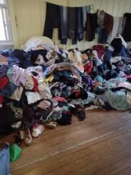 Lotao  de roupas para brecho