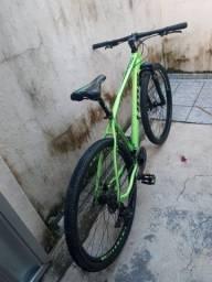 Uma linda bicicleta lotus tudo novo