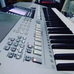 Yamaha psr 710