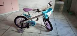 Estou vendendo uma bicicleta infantil da frozen aro 16 semi nova quase não foi usada