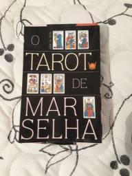 Tarot de Marselha (Estojo Livro+Baralho) Estojo C/ 78 cartas coloridas-Isis