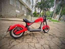 Moto elétrica, scooter, patinete, sem IPVA, não precisa de habilitação