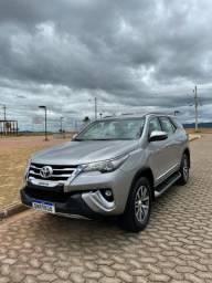 Toyota Hilux sw4 SRX 2018