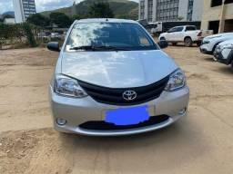 Vende-se Toyota Etios 2012/2013