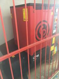 Compressor de parafuso 200lts Chicago semi novo