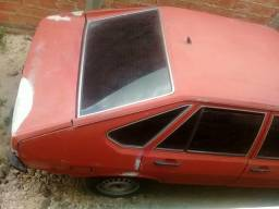 Vende -se uma carro da marca passat irac - 1986