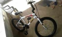Vendo bicicleta seminova aro 20 e so ligar (83)986974475