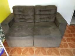 Vendo um excelente sofá retrátil leia!!