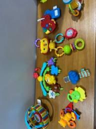 Lote de brinquedos para bebês
