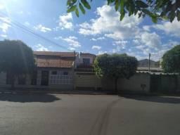 Casa comercial - Rua Brilhante