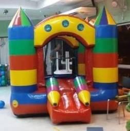 Castelo inflável 2,5x3,0 e 2,5 altura