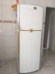 Vendo geladeira grande frossfril
