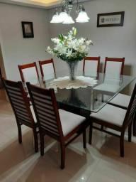 Mesa e caseiras