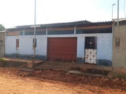 Vende-se Casa Ampla no Bairro Jaderlandia