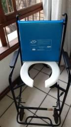 Cadeira de rodas Higiênica para banho R$ 150,00