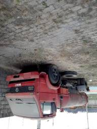 Caminhão limpa fossa vw