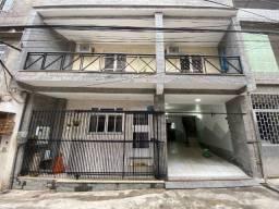 Vendo Casa de Vila em Cascadura Com 300 m² área construída Modernizada e Fino acabamento