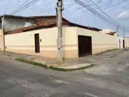 Casa - bairro Alto Marrom - 4 quartos