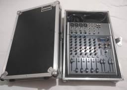 Mesa behringer xenyx x1204USB mais pedestal de som e de microfone Tudo novo nunca usado.