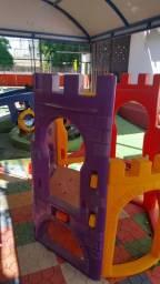 Parque Infantil semi novo