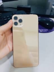 IPhone 11 Pro max dourado