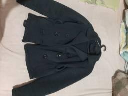 Vendo esse casaco pouco de uso  pra mulher Tamanho G