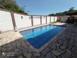 COD91-Linda casa com piscina, em Lauro de Freitas.