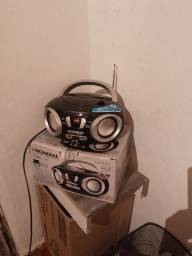 Radio mondial com tudo preto novo