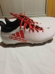 Chuteira de campo Adidas