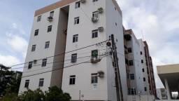 Apartamento em Intermares com 3 quartos