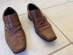 Sapato marrom 37
