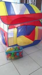 Título do anúncio: Barraca infantil grande acompanhada de bolinhas