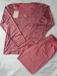Pijama em Microfibra deixa corpo respirar. Somente Tamanho M. R$ 79,00