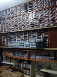 Vendo todos esses CDs e DVDs