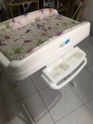 Banheira de bebê Burigotto com suporte