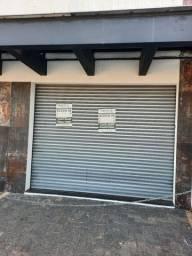 Aluga-se esta loja no centro de betim