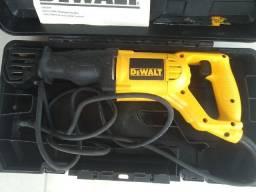 serra sabre DeWalt DW304pk 1000w