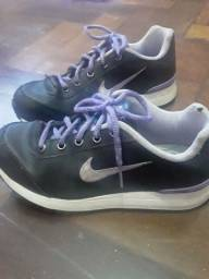 Tênis Nike n° 32