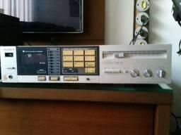 Amplificador com sintonizador de FM sony