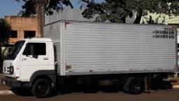 Faço mudança e fretes em geral pra todo Brasil caminhão Baú meu zap