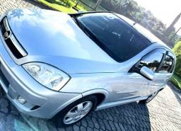 Corsa Hatch Premium Motor 1.4
