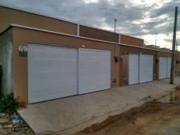 WG casa nova, 3 quartos, 2 banheiros, garagem com portão duplo.